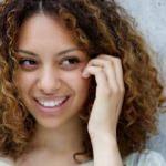 Kıvırcık saçlara özel bakım önerileri
