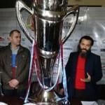 Trabzonsporlu taraftarlar 'şike anıtı'nı tanıttı
