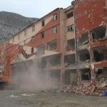 İnebolu'daki pansiyon binasında yıkım