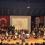 İzmir Barosundan Türk müziği konseri