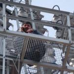 100 metre tırmandı yine ehliyeti kaptırdı