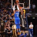Westbrook, Durant'i deplasmanda yıktı!