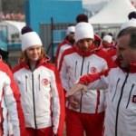Bakan Bak Güney Kore'de Türk sporcularla buluştu
