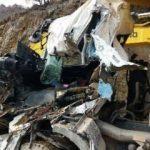 Kamyonun üstüne hafriyat kamyonu düştü: 1 ölü