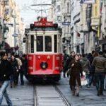 Taksim'de nostaljik tramvayda panik