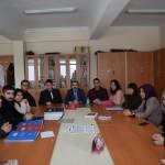 Öğrenciler, öğretmenlerinin hazırladığı sorularla YKS'ye çalışıyor
