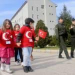 Anaokulu öğrencilerinden askerlere destek