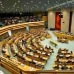 Hollanda Parlamentosu'nda Zeytin Dalı oturumu