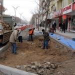 Kırşehir'de kaldırımlar düzenleniyor