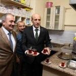 Vali Çiftçi'den vatandaşlara çay ikramı