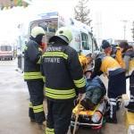 Edirne'de kamyonetle otomobil çarpıştı: 3 yaralı