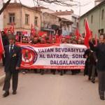 Şehit aileleri ve gaziler Mehmetçik için yürüdü
