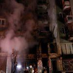 İzmir'de yangında dumandan etkilenen yaşlı kadın öldü