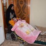 Engelli 4 çocuğuna sevgi ve şefkatle bakıyor