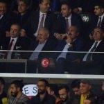 Başbakan derbiyi statta izledi