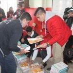 Silopi'de lise öğrencilerine kitap yardımı
