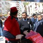 Eylem yapan seyyar satıcı ikna edildi