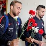 Milli Takım Antalya'da çiçeklerle karşılandı