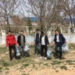 BESYO öğrencileri çöp topladı
