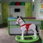 Savaş mağduru çocuklar için mobil oyun ve etkinlik evi