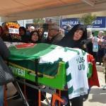 Bursasporlu taraftarın cenazesi toprağa verildi