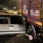 Antalya'da otomobil tıra çarptı: 1 ölü