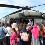 Gürpınar'da öğrencilere helikopter tanıtıldı