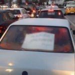 Görenler hayrete düştü! Aracın camına bunu yazdı