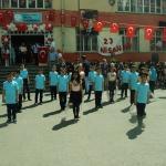 100. Yıl ilkokulunda 23 Nisan kutlaması