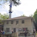 Geyiklerin malzeme taşıdığı rivayet edilen camide restorasyon
