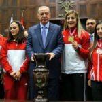 Avrupa'yı sallayan Milliler Erdoğan'la buluştu!