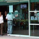 Ülkedeki en büyük bankaya el konuldu