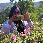 Yabancı turistlerin yeni gözdesi: Isparta gül bahçeleri