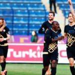 Beşiktaş'tan Atiba'nın yerine sürpriz transfer!