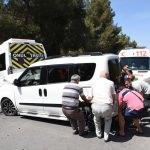 Öğrenci servisiyle hafif ticari araç çarpıştı: 1 yaralı