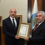 Diyanet İşleri Başkanı Erbaş'tan, Başkan Gül'e teşekkür belgesi