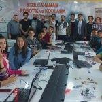 Üniversitelilerden lise öğrencilerine robotik eğitim