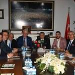 Bursaspor'un yeni yönetimi mazbatasını aldı