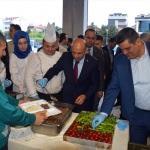 Başbakan Yardımcısı Fikri Işık, vatandaşla iftar yaptı