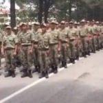 Komutan ve askerlerinden G.Saray marşı!