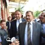 Bakan Eroğlu esnafı ziyaret etti