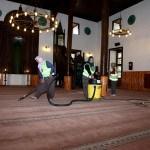 Seydişehir'de bayram öncesi camiler temizlendi