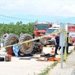 İzmir'de devrilen traktörün sürücüsü öldü