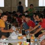 İHH'dan Halep sınırında toplu iftar