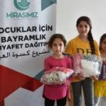 Kudüslü çocukların bayramlıkları Türkiye'den!