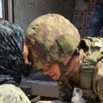 Afrin'li yaşlı kadın, Mehmetçiği alnından öptü
