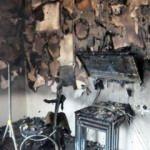 Duvara asılı televizyon patladı! Ev bu hale geldi