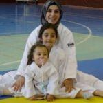 Judocu anne ve kızları ilgi odağı oldu!