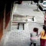 Mahalleli seslerini duyunca meydan dayağı attı