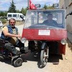Kendisi gibi engelliler için araç üretiyor